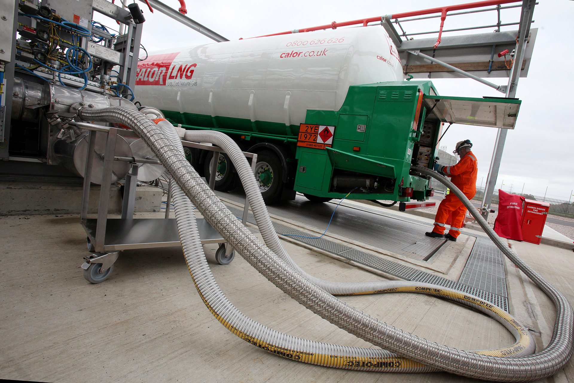 A Calor LNG road tanker being refuelled