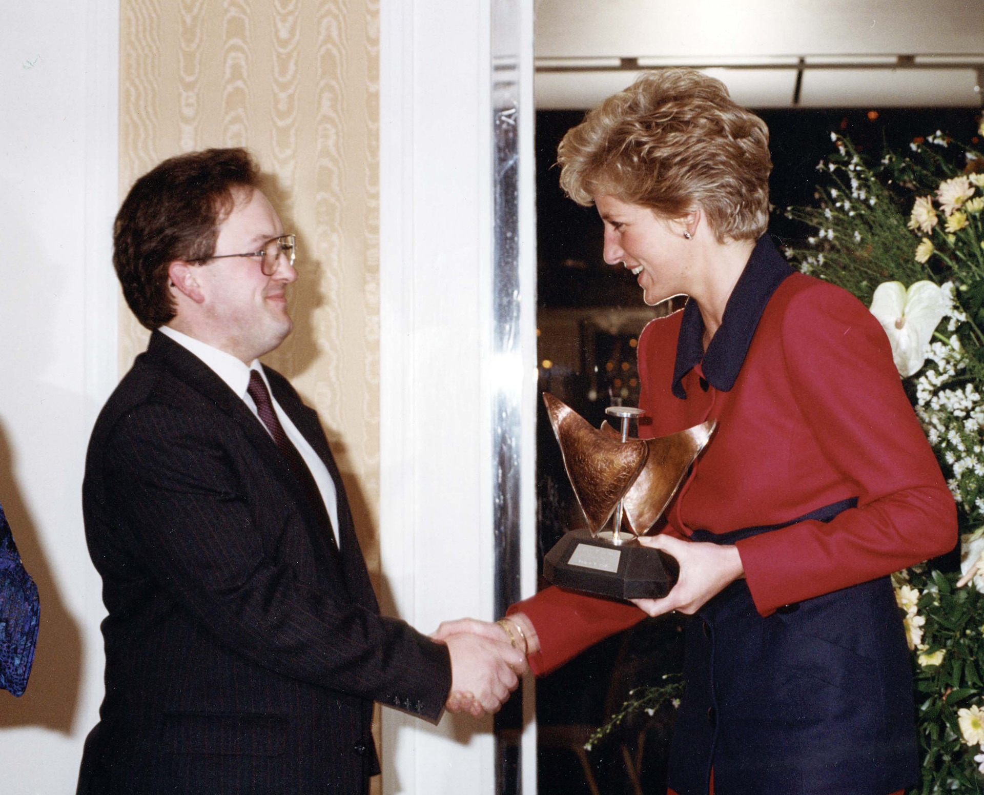 Fraser Pithie receiving award from Princess Diana