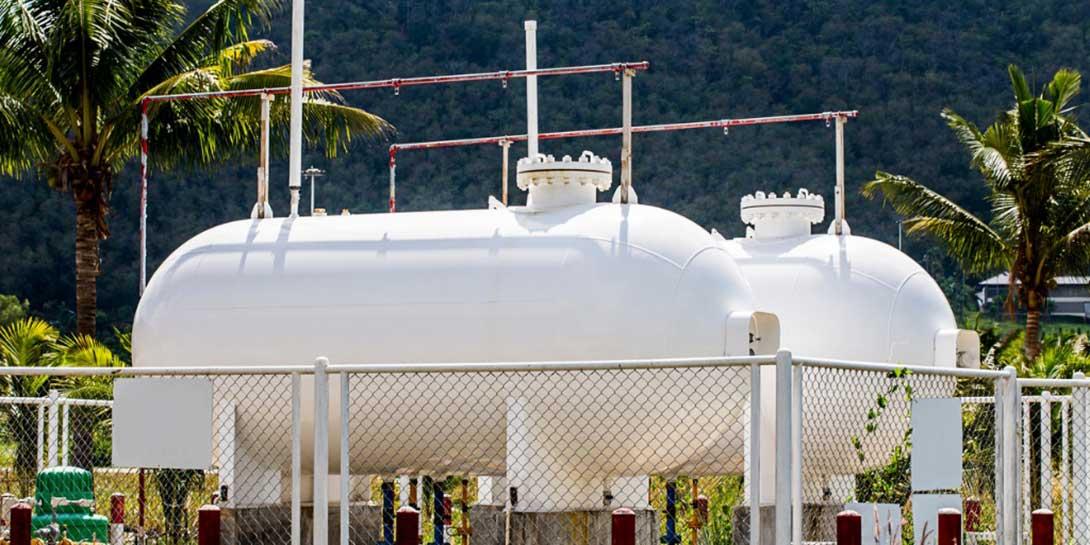 white storage gas tank